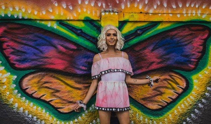 Curso de moda em Milão para uma mulher trans