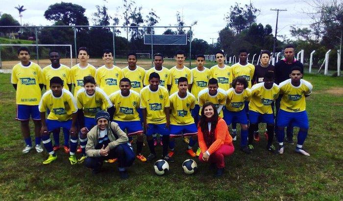 Ajude a levar novos talentos para a copa do Brasil