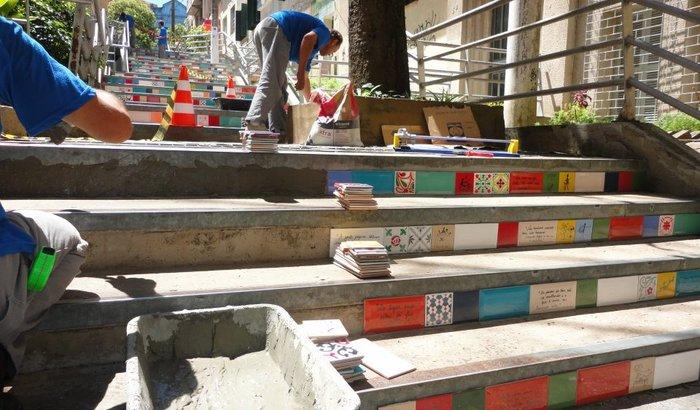 A Escadaria - Reposição de  Azulejos