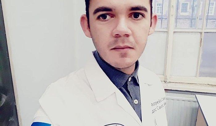 Ajudem Abraão Ferreira a se formar em Medicina na Rússia