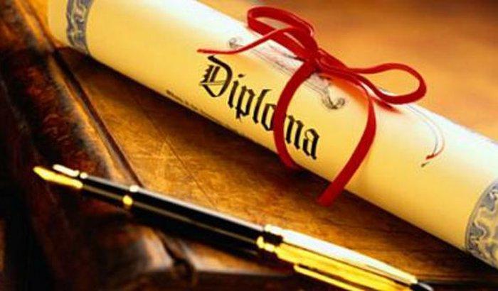 Vendo diplomas original em 15 dias