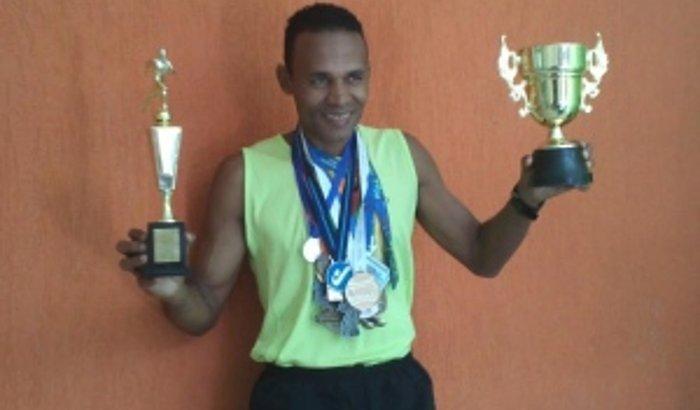 Tênis de Corrida p/ Morador de Rua