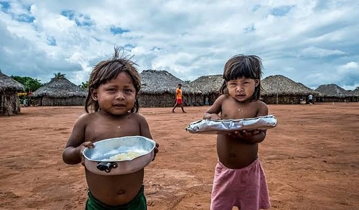 Levar alegria as crianças indígenas (Xavante)