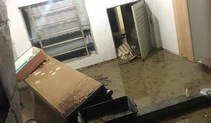 Ajudar com móveis que perdi na enchente