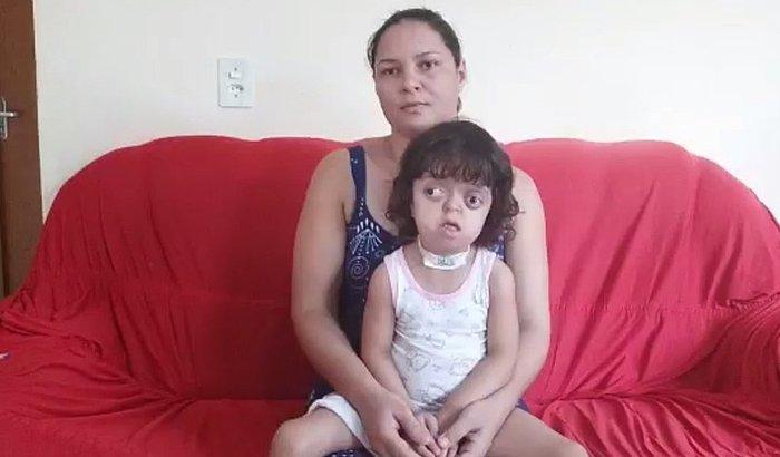Ajuda para Victoria de Menezes Rodrigues