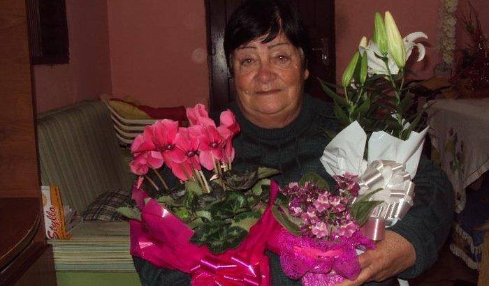 Ajude uma Mãe 73 anos a viver.