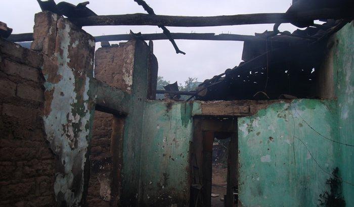 Ajudando a família que prdeu tudo no incêndio